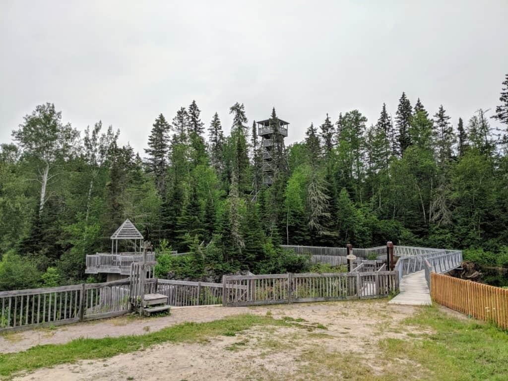 Belvédère du moulin des pionniers à la doré au lac saint jean québec