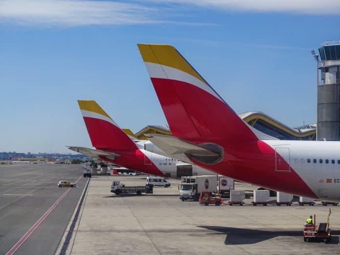 queues de deux avions Iberia